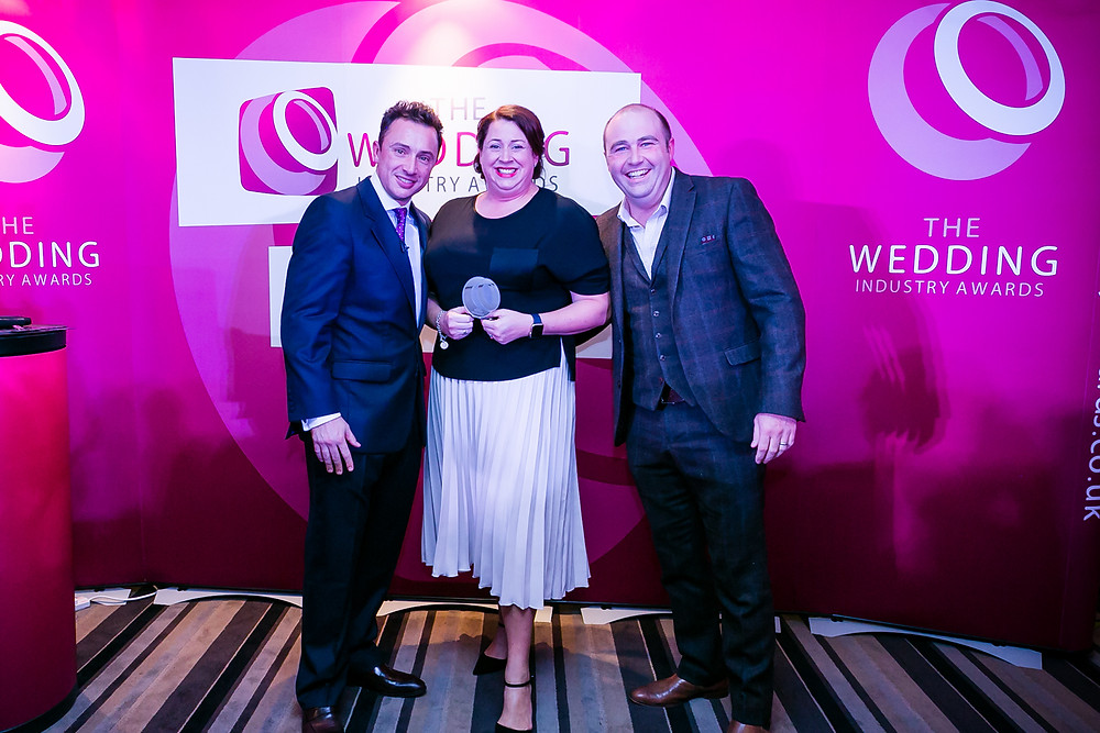 Richard & Lynn of #teambawon receiving the award for Best Events Team, East Midlands from #TWIA founder Damian Bailey (no relation!)