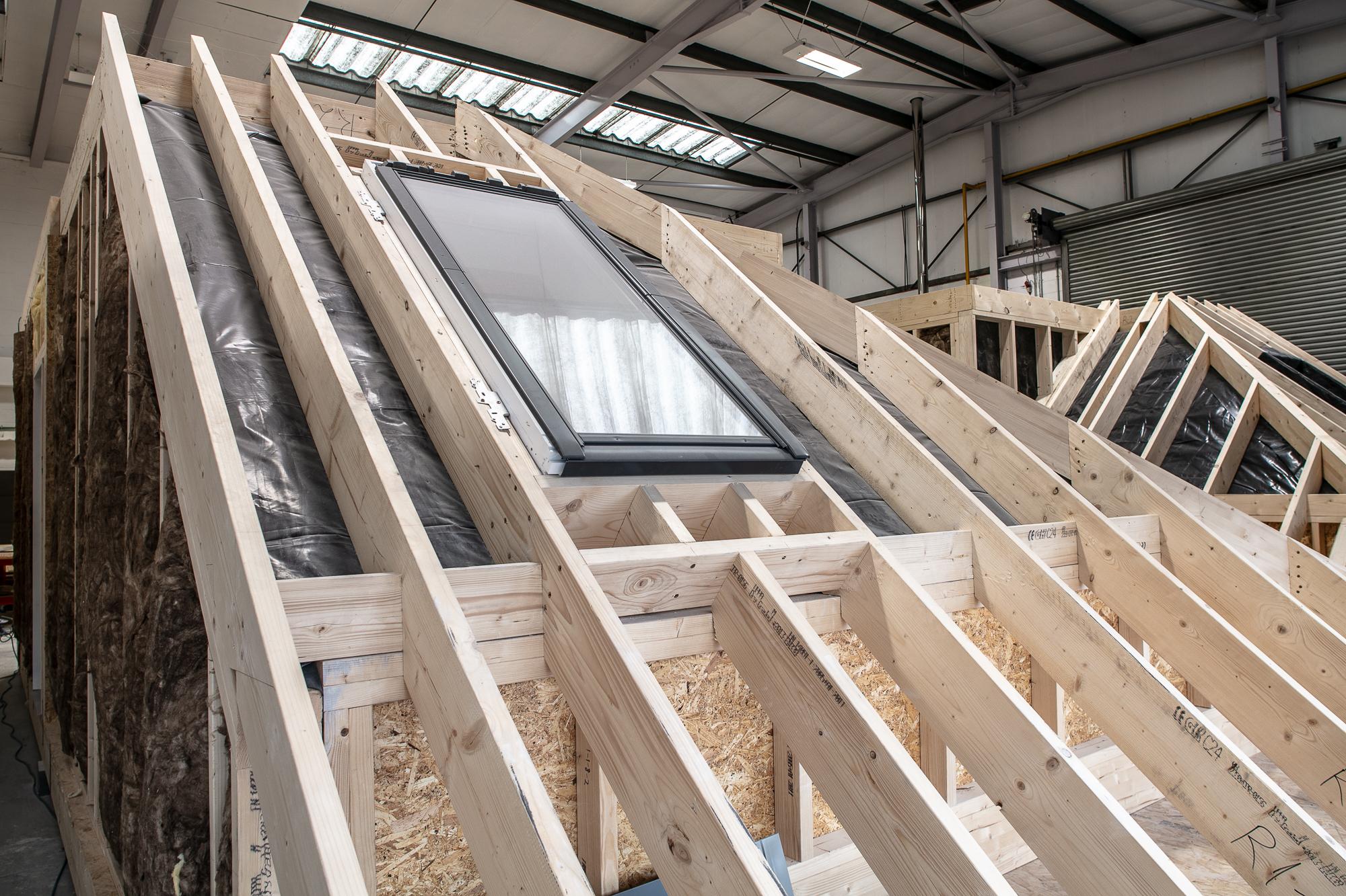 """<img src=""""roof.jpg"""" alt=""""modular construction, module""""/>"""