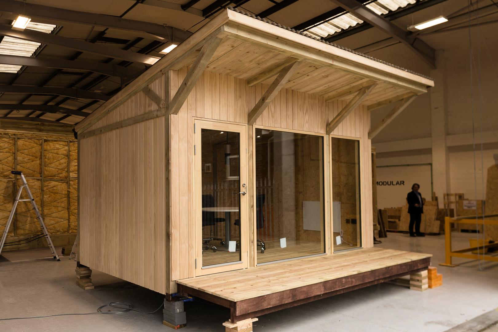 "<img src=""office.jpg"" alt=""modular garden unit""/>"