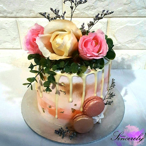 Rustic Floral Drip Cake