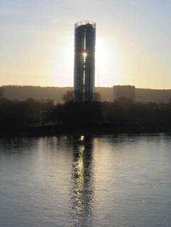 der Post-Tower und die Lücke