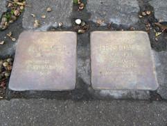 zwei Stolpersteine in Bonn-Bad Godesberg