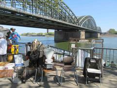 Antikmarkt auf der Kölner Rheinuferpromenade