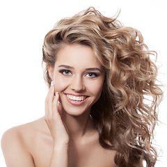 Curly Blonde Model with hair extensions from The Cosmetics Parlour Banbury