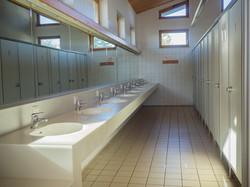 Offene Waschplätze