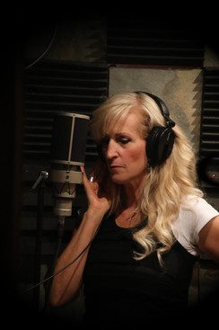 Alicia Blickfeldt studio music