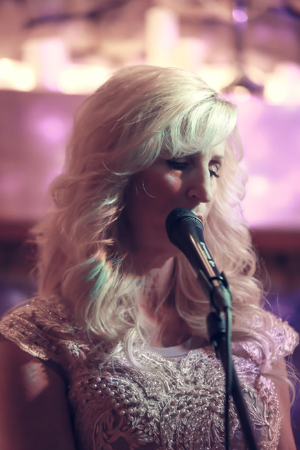 Alicia Blickfeldt Christmas singing concert mp3 music