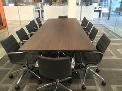 Oz Installation meeting desk
