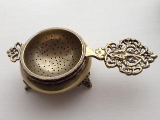 紅茶のティーストレーナー