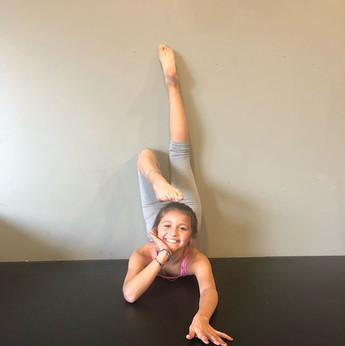 Back stretches!! _ella._.jpg