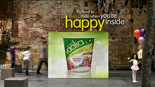 VAALIA - HAPPY INSIDE