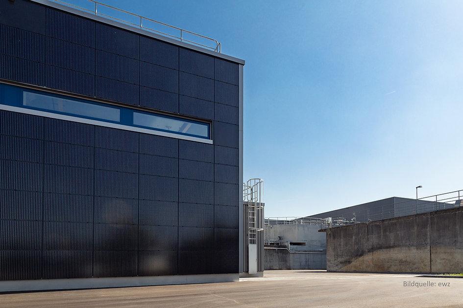Photovoltaik Fassade Q.jpg