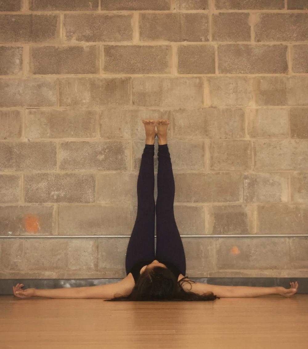 Sarvangasana-yoga-chambery