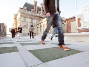 França inaugura metrô que aproveita energia dos passos das pessoas