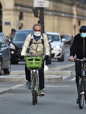 ciclistas-em-Paris-1024x682.jpg