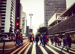 Maio Amarelo traz aumento de tempo para travessia de pedestres