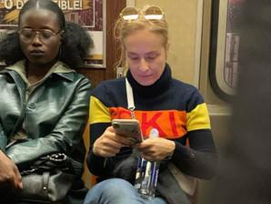 Por que é chique andar de metrô lá fora e aqui não?