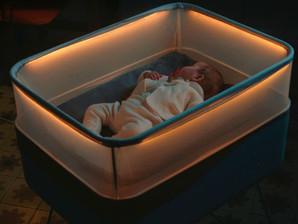 Ford cria berço que simula passeio de carro para acalmar bebês