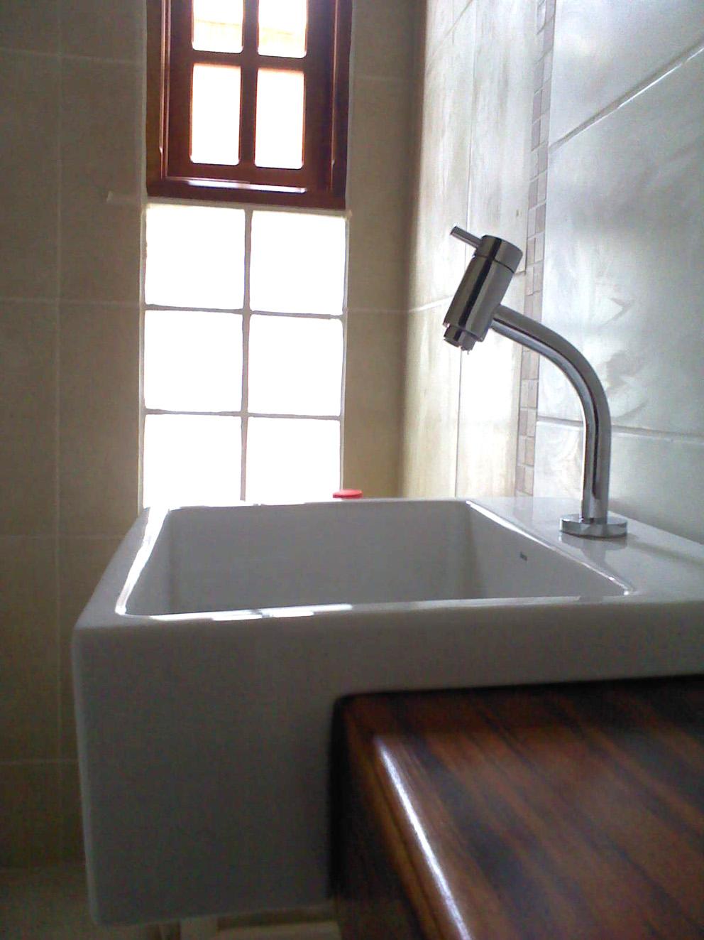 Vista Interna do Banheiro da Suíte