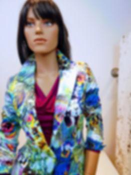 Gladys blazer wit print blauw pauw bijzondere kleding biologisch katoen pauwenprint
