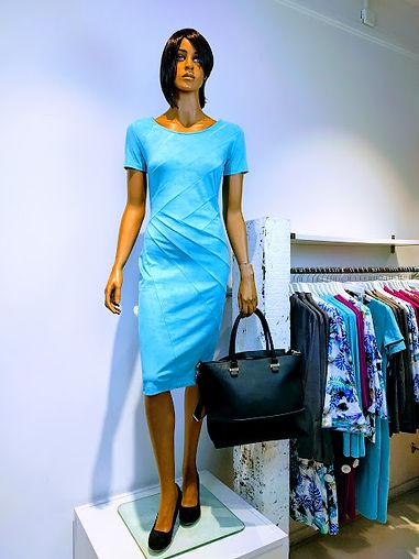 mooie designersjurk jurk bruiloft moeder van de bruid exclusieve kleding kleurrijke creaties bijzondere mode utrecht
