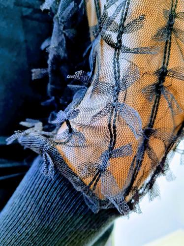 Patricia trui speciale mouw zwart bijzon