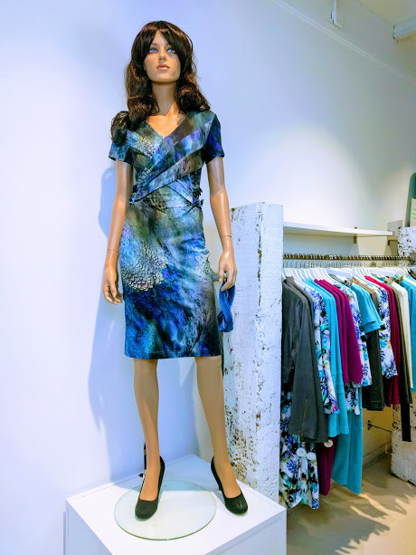 merel jurk print blauw groen grijs.jpg