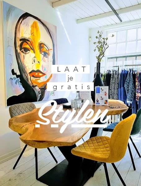 Maak een stylingafspraak en laat je gratis stylen door de ontwerpers en selecteer samen de mooiste creaties voor jou.