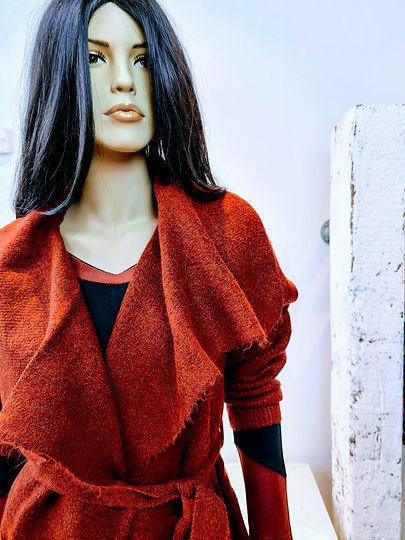 Ivette jurk zwart brique oranje rood ves