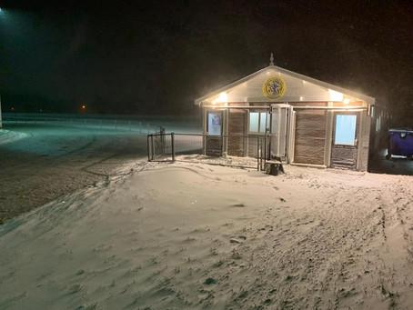 Sneeuwschuiven en sproeien