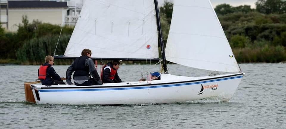 Valk, Centaur, Kielboot huren op het Haringvliet
