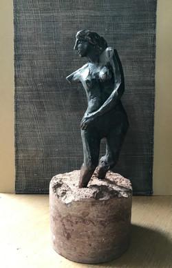 Kvinna, brons