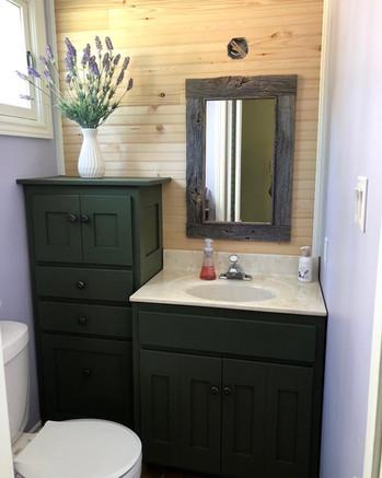 Simple vanity mirror