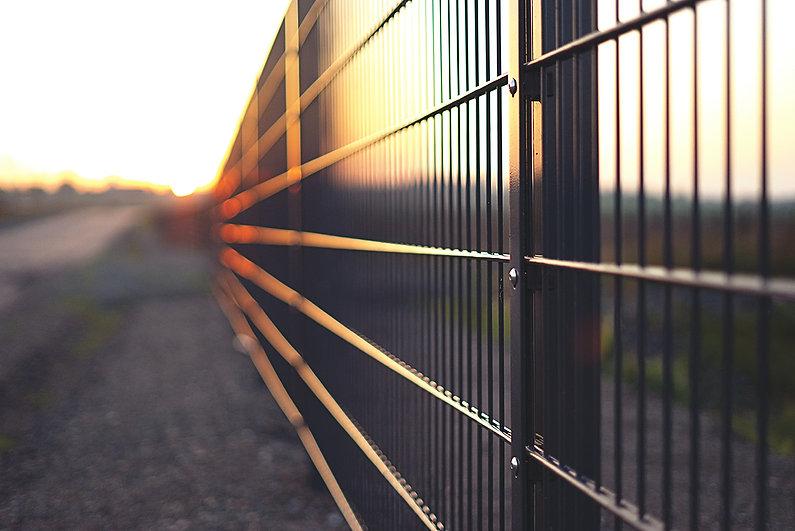wire_fence.jpg