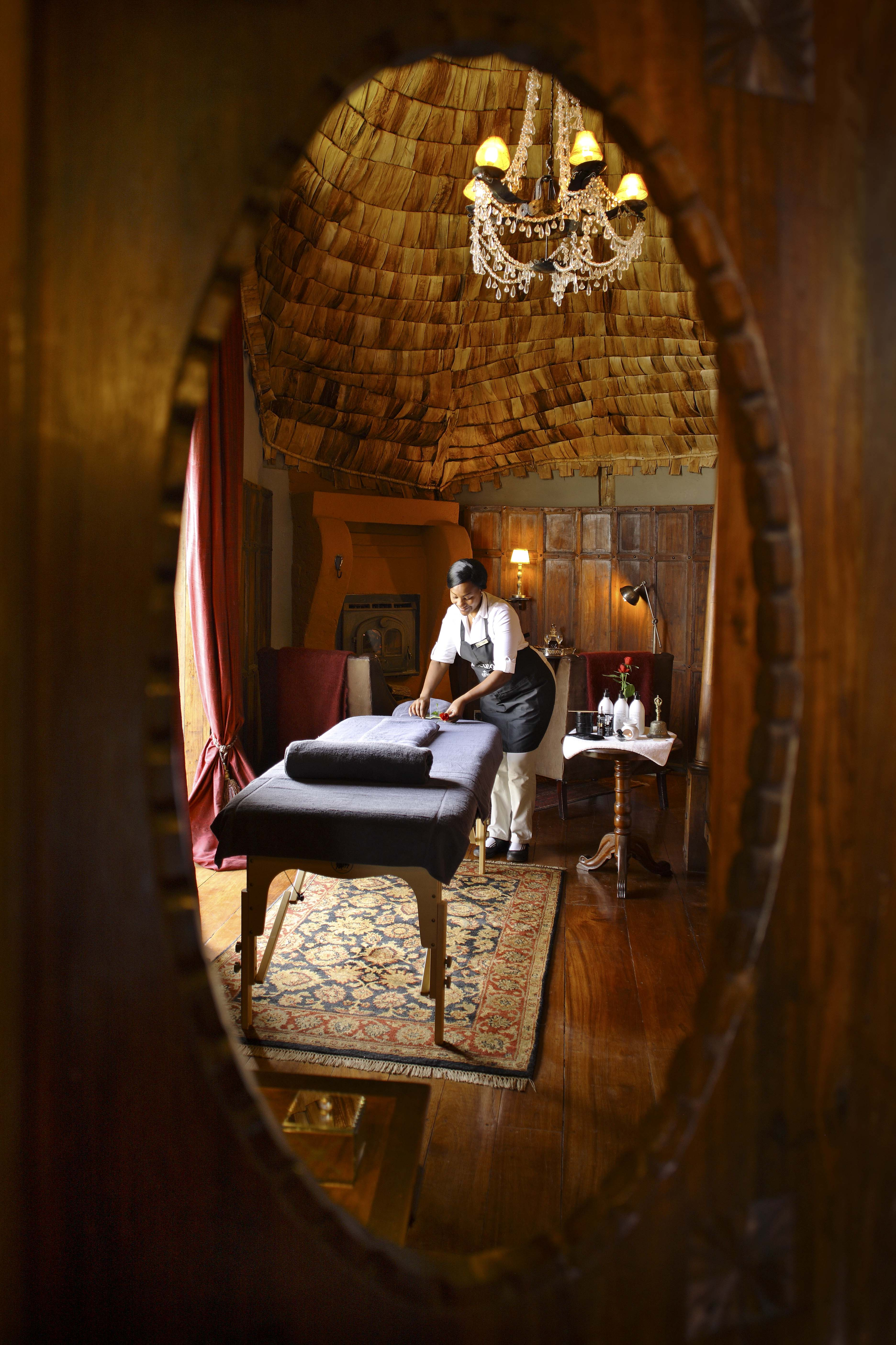 Ngorongoro Crater lodge_massage