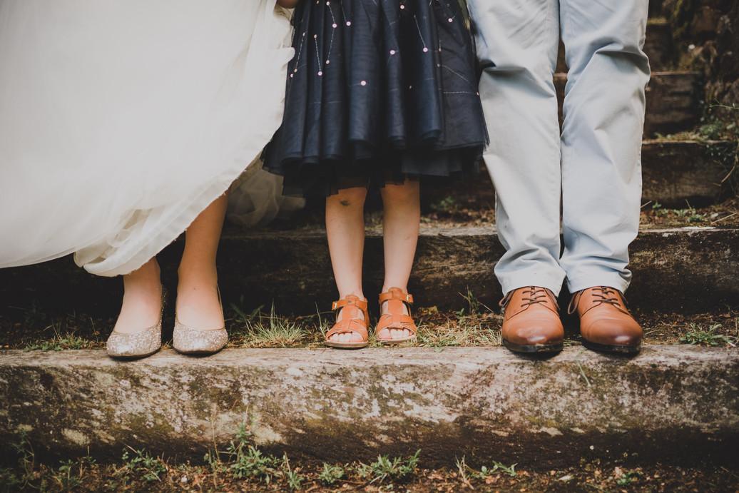 Pantalon, robes et chaussures