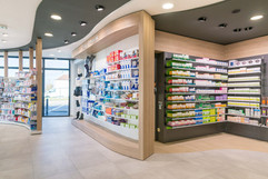 Rayons d'une pharmacie