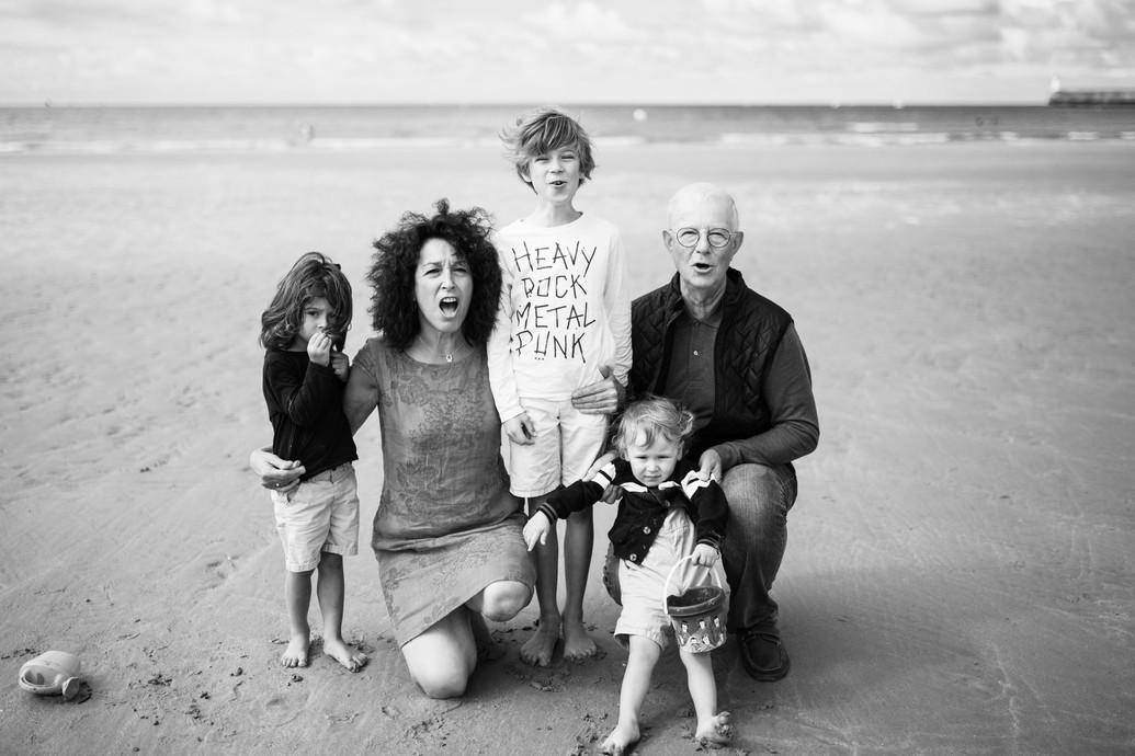 Portrait de famille en noir et blanc