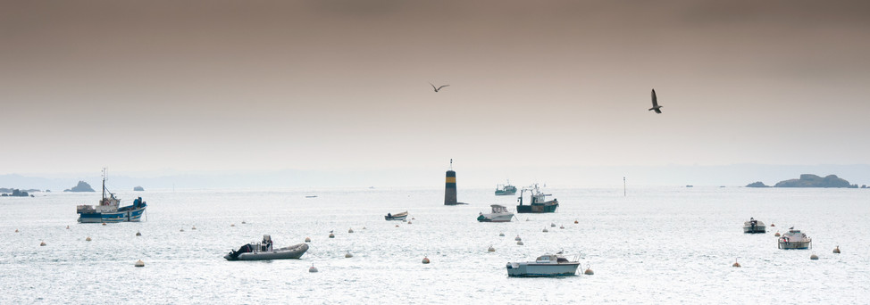 THE BOATS, THE SEAGULLS, AND THE BEACON - Ile-Grande, Côtes-d'Armor