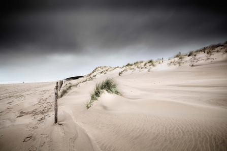 BETWEEN SKY AND SAND - Plage du Veillon, Talmont-St-Hilaire