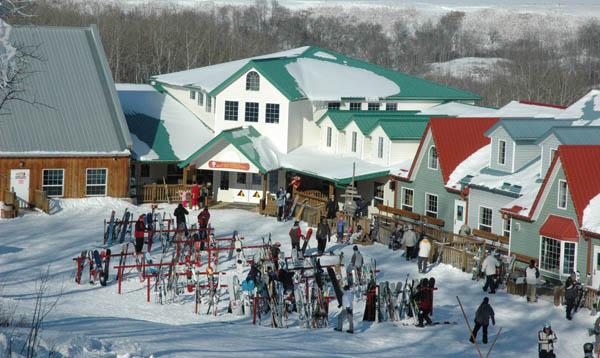 Assissippi Ski Resort (60 km East)