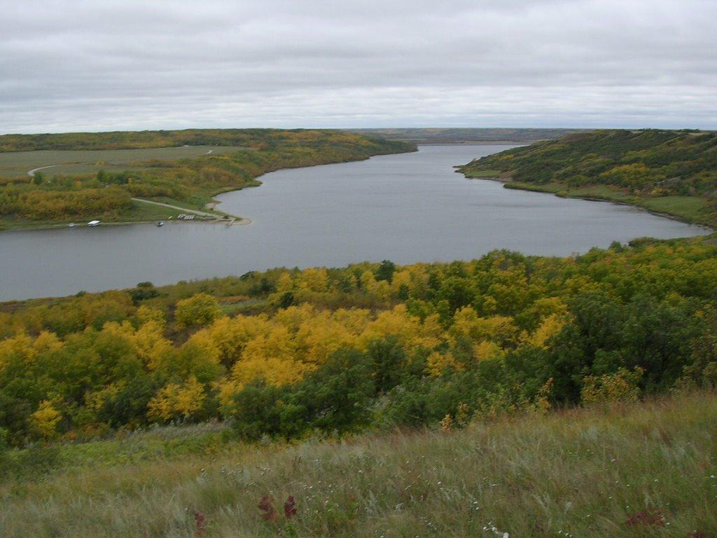 Lake of the Prairies (60 km E)