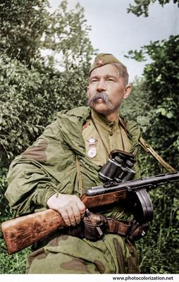 Советский разведчик, старший сержант Алексей Фролченко