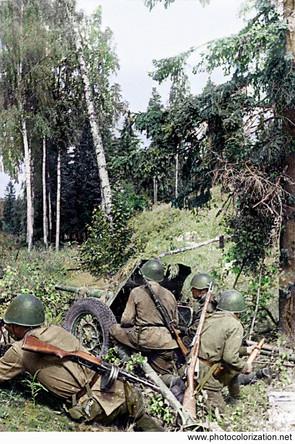 Soviet anti-tank unit is preparing to repel enemy attacks