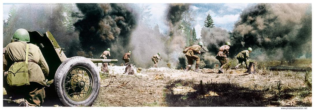Soviet soldiers in the attack, supported by artillery / Бойцы подразделения А. Бурака при поддержке артиллерии ведут наступление