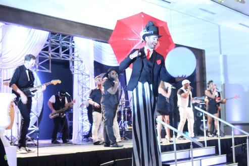 Show Gatsby I Cabo Entertainment Company