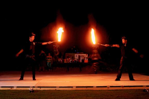 Show de fuego I Cabo Entertainment Company