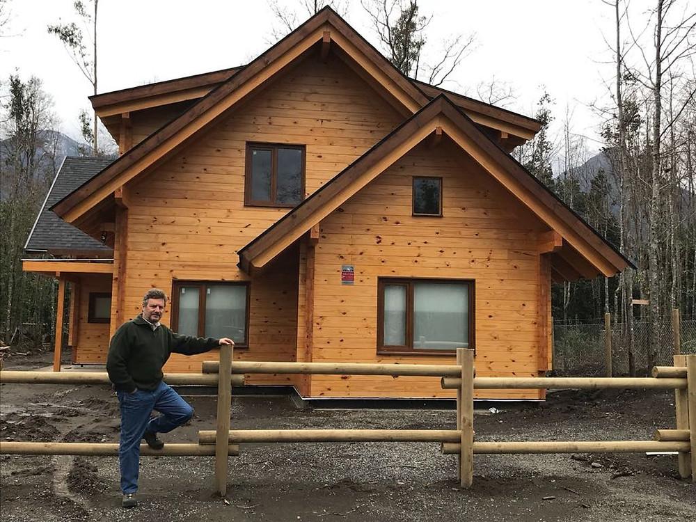 Casa de madera levantada por una familia - Patagonia Log Homes