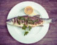 プレート上の魚