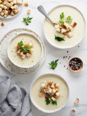 CREAMY CREAMLESS CAULIFLOWER SOUP